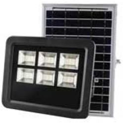 Su saulės baterija ir kolektoriumi
